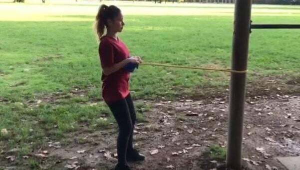 Come allenare i dorsali a casa: i migliori esercizi