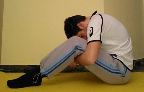 Stretching schiena arrotolamento