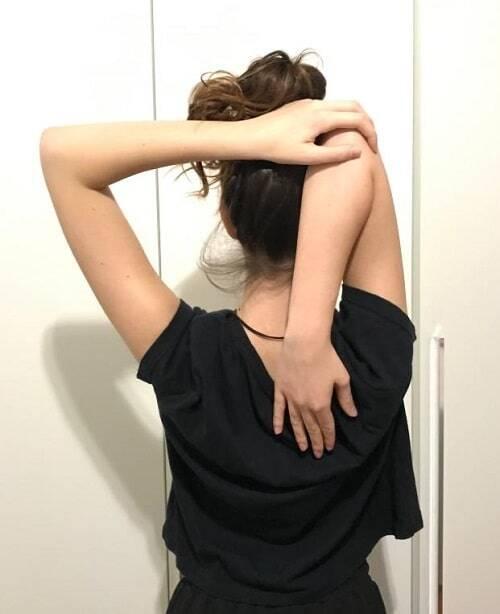 stretching tricipite esercizio